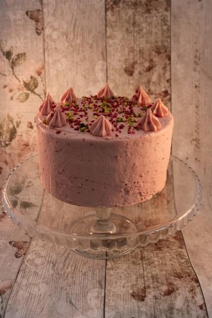 Pistachio & Raspberry Cake